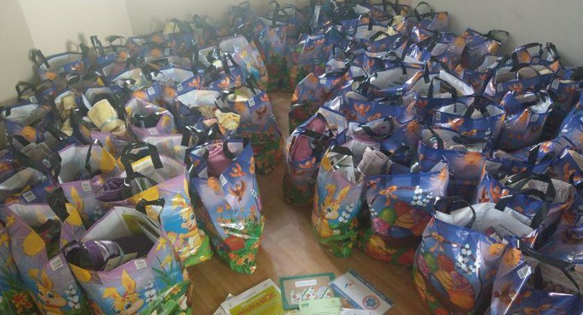 opieka społeczna, Wielkanoc kombatantów paczki świąteczne potrzebujących - zdjęcie, fotografia
