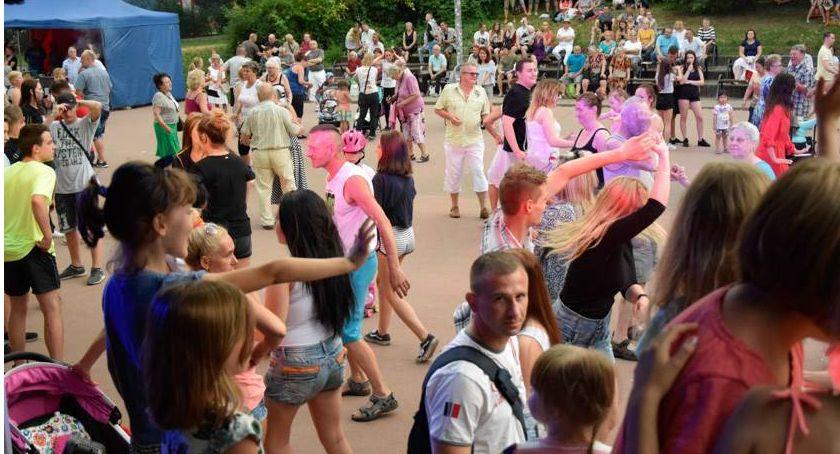taniec, Potańcówka Parku Szczęśliwickim - zdjęcie, fotografia