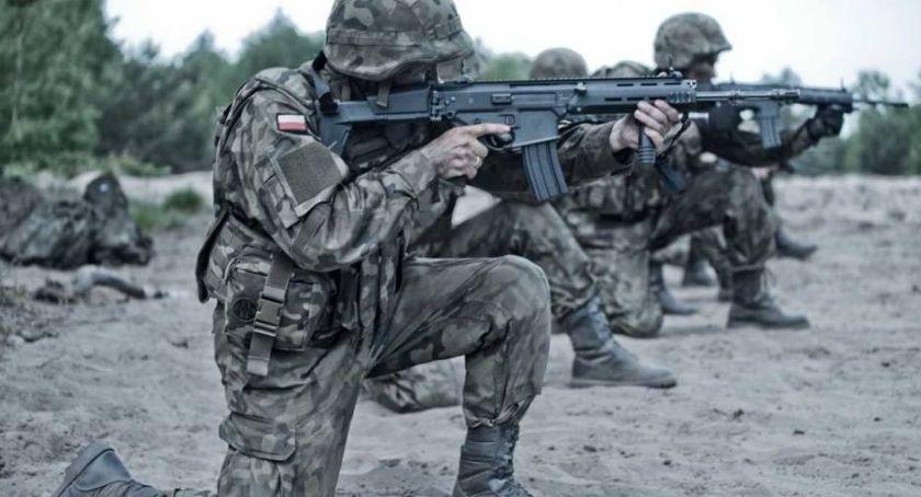Bezpieczeństwo, Wakacje Obroną Terytorialną - zdjęcie, fotografia
