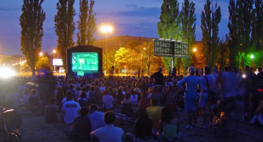 Film, chmurką Mokotowskim - zdjęcie, fotografia