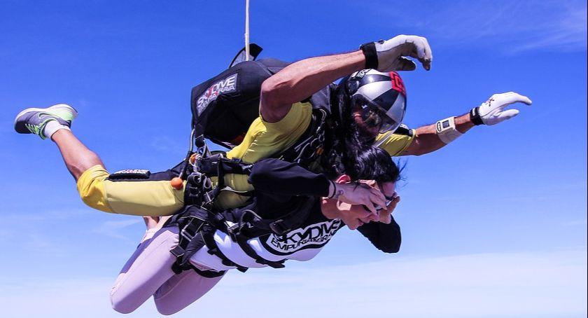 Handel i usługi, Skoki spadochronowe tandemie udany pomysł prezent! - zdjęcie, fotografia