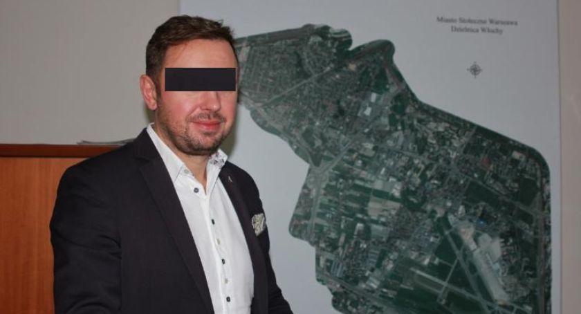 samorząd, Tymczasowy areszt burmistrza Włoch - zdjęcie, fotografia