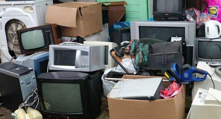 Gospodarka odpadami, Zbiórka elektrośmieci bazarze Majewskiego - zdjęcie, fotografia