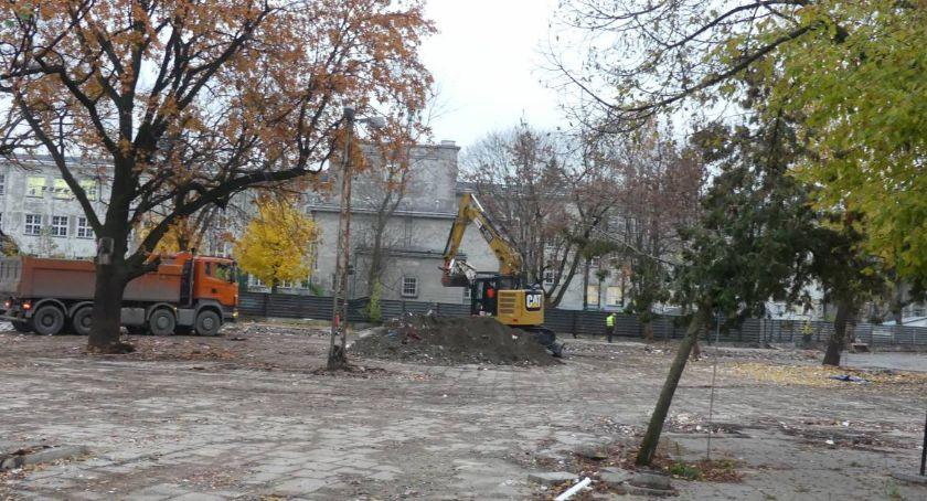 inwestycje, pozwolenie budowę budynku zgodne prawem - zdjęcie, fotografia
