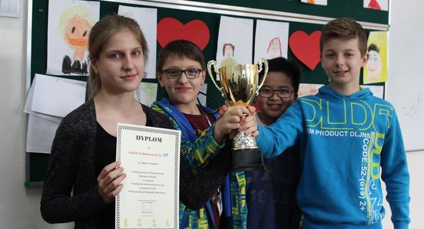 gry umysłowe, Młodzi szachiści - zdjęcie, fotografia