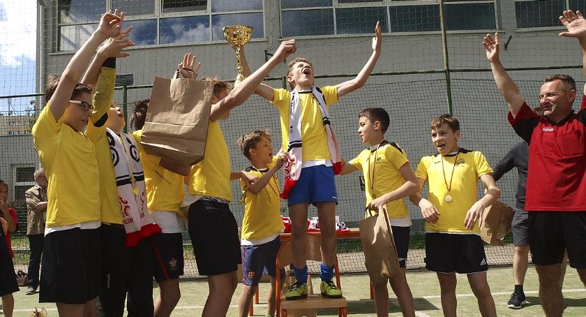 piłka nożna, Austria wygrywa ochockie - zdjęcie, fotografia