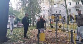Sobotnia gimnastyka na placu Baśniowym
