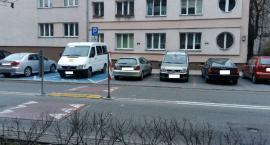 Przy parkowaniu pomyśl o innych