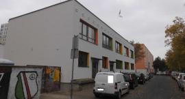 Budynek dawnej administracji nabiera przyzwoitego wyglądu .