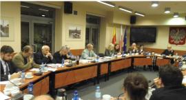 Stanowisko Rady Dzielnicy Ochota w sprawie niewłaściwej realizacji projektów wybranych w ramach budż