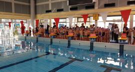 Zawody w pływaniu na Rokosowskiej