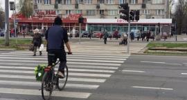 """Radny Gawryś – rowerowy """"król"""" chodników i przejść dla pieszych"""