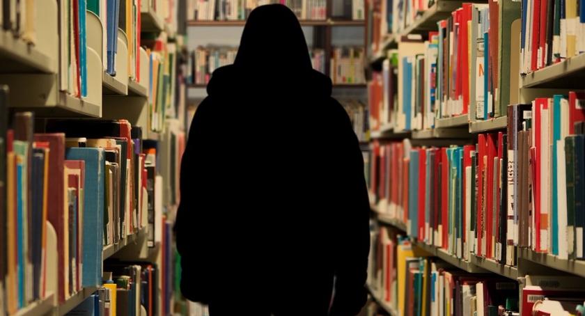 Biblioteka Publiczna przy ul. Puławskiej 43 ma poważne problemy finansowe i prosi o pomoc
