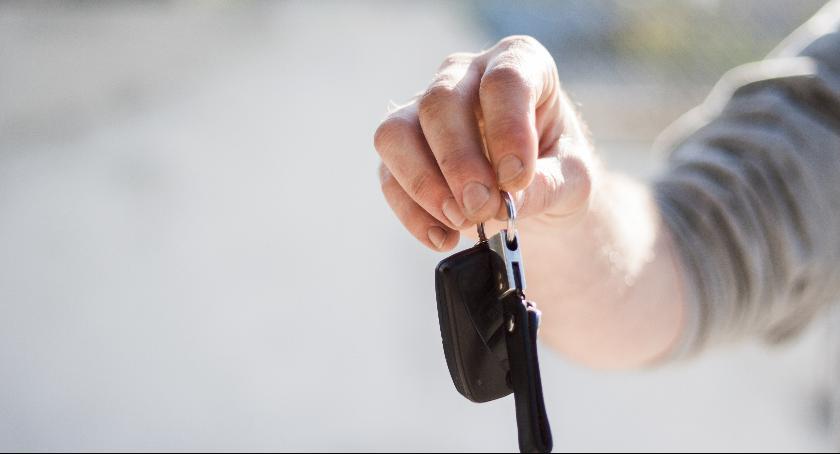 Kupujesz używane auto? Oto co powinieneś wiedzieć...
