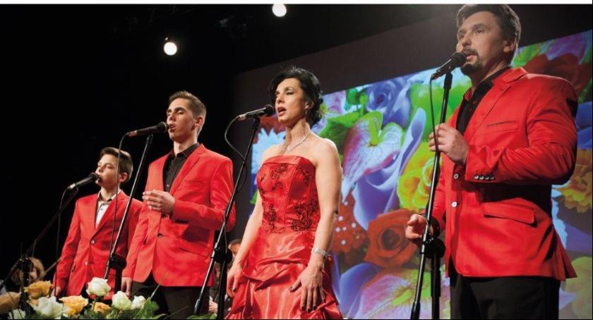 Muzyka, Śpiewająca rodzina majówce - zdjęcie, fotografia