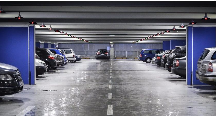 Nowoczesny parking podziemny na ul. Orzyckiej, a nad nim – były bazarek przy ul. Gotarda?