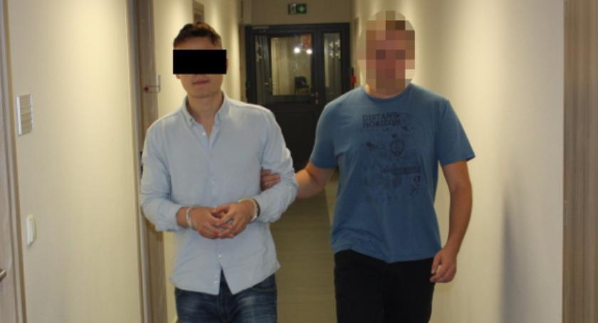 Kradzieże i rozboje, letni bandyta Maciej aresztowany pobił okradł dlaczego… - zdjęcie, fotografia