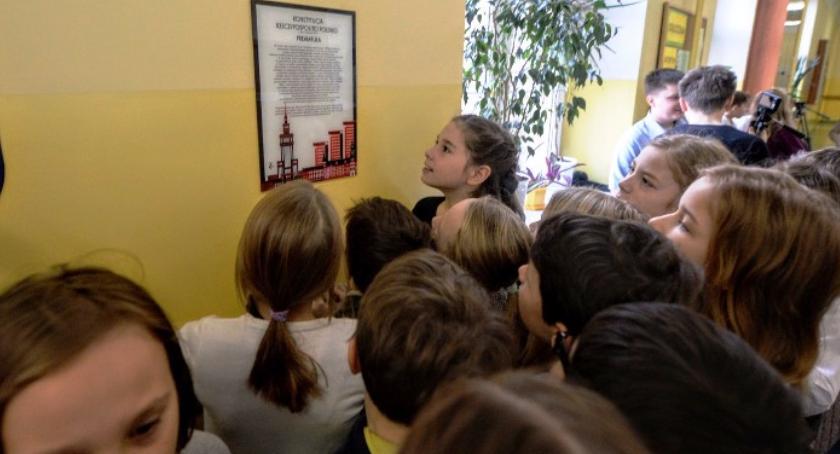 Do wszystkich mokotowskich szkół, jak w całej stolicy, trafi preambuła Konstytucji Rzeczypospolitej