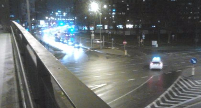 Autobus Czerwony bardzo krytycznie o kładce dla pieszych nad ulicą Gintrowskiego? Rzymowskiego?