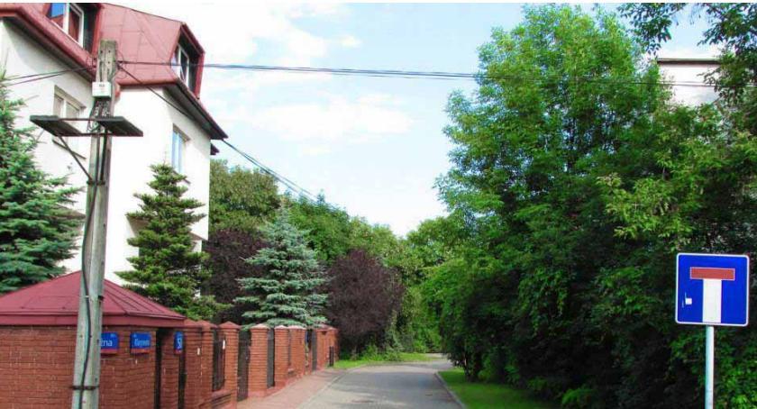 Przy ul. Klarysewskiej 55 pierwsze gminne mieszkanie na sprzedaż – dość droga okazja na ślepej ulicy