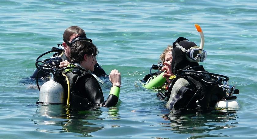 Poszukiwany przez nurków na Jeziorku Czerniakowskim 10-latek okazał się cały i zdrowy