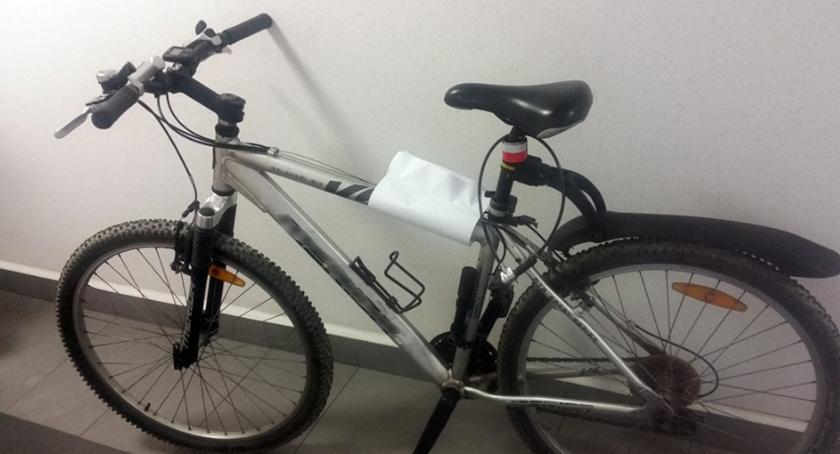 Miał pecha: ukradł rower w al. Niepodległości; kiedy nim uciekał, zatrzymała go policja – na gorącym uczynku