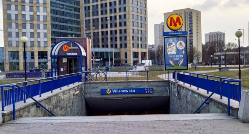 Warszawskim metrem jeździ coraz więcej młodych ludzi. Ale Wilanowska zdeklasowana przez Plac Wilsona...