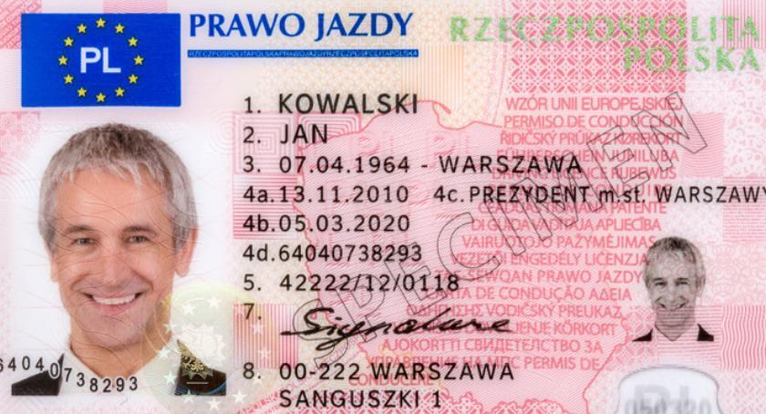 Jeśli miałeś przyznane prawo jazdy bezterminowo, to data ważności na nowym druku jest nieważna