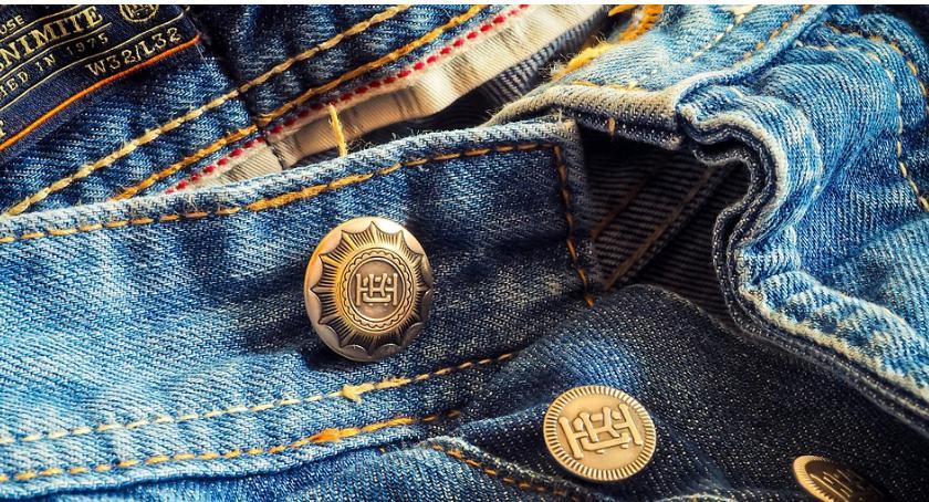 22-letni Gruzin zrywał klipsy z bluz (nieskutecznie), a został złapany z kradzionymi spodniami
