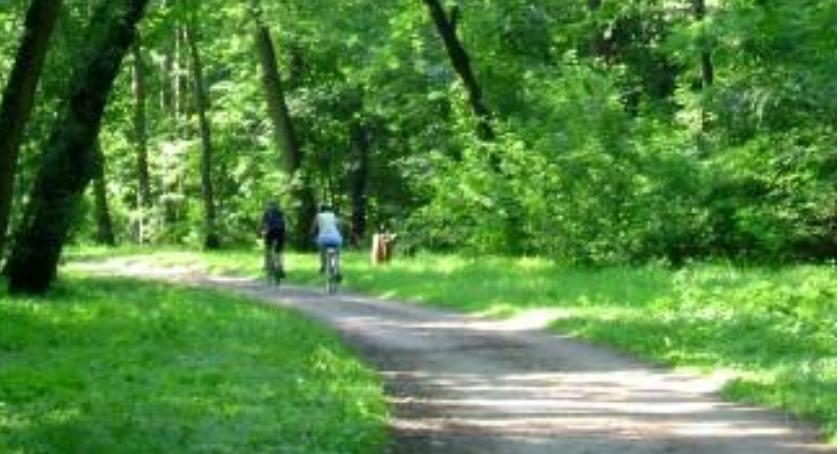 Brakuje kilometra ścieżki, a moglibyśmy nieprzerwanie śmigać na rowerach od Młocin do Powsina!