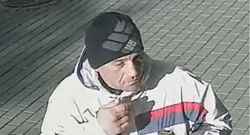 Ktoś widział tego mężczyznę? Jeśli tak, niech da znać policji. Prawdopodobnie to on ukradł rower!