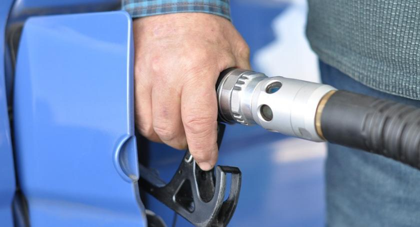 """Mokotowski """"baron paliwowy"""" zatrzymany do odsiadki za 70 kradzieży na stacjach benzynowych"""
