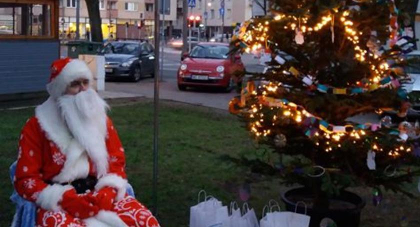 Przyozdobiona choinka jest znakiem charakterystycznym dla naszych świąt.