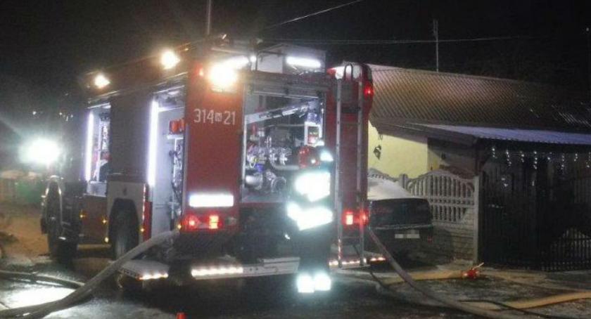 Pożar budynku przy ul. Kobylańskiej: fotorelacja z interwencji straży pożarnej