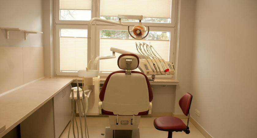 Opieka zdrowotna, Józefa własnym gabinetem stomatologicznym - zdjęcie, fotografia