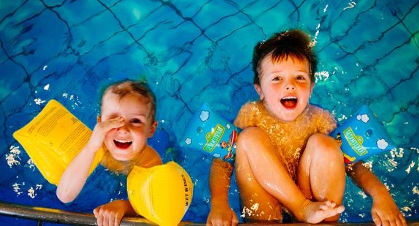 Pływanie, Dzień dziecka basenie - zdjęcie, fotografia