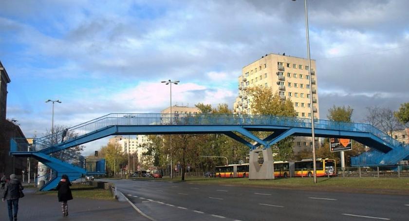Komunikacja, Koniec kładki pieszych zbiegu Czerniakowskiej Chełmskiej - zdjęcie, fotografia
