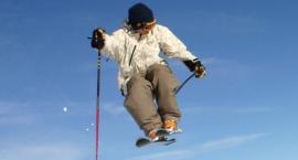 Gdzie wypożyczać narty? Na Mokotowie czy w górach?