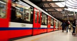 Czym częściej podróżuje mieszkaniec Mokotowa: autobusem, autem czy metrem? A może piechotą?