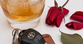 Plaga pijanych kierowców na Mokotowie. Czy przyczyną wariackich zachowań jest smog?