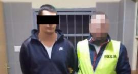 Uderzył pasażera autobusu pięścią w twarz, ukradł mu smartfona wartego 3,5 tys. zł i… wpadł!