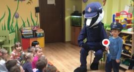 Policjant Borsuk wpadł do dzieciaków, żeby opowiedzieć im o bezpiecznym zachowaniu