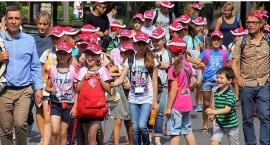 Mokotowskie rodziny przyjmują do siebie na wakacje małych Polaków kresowian z Ukrainy