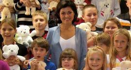 Kasia Cichopek ma wielkie serce, nie tylko talent, i wspiera dzieci, gdzie może, na Mokotowie