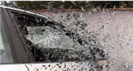 Na skrzyżowaniu Idzikowskiego i Witosa citroen zderzył się z przyczepą ciągniętą przez mercedesa