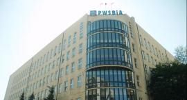 Dramat Liceum Polonijnego: woda z pękniętej rury zalała dwa piętra. Potrzebny natychmiastowy ratunek