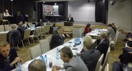 Radni Mokotowa zabrali głos w sprawie miejsc parkingowych zaanektowanych przez ABW