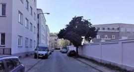 ABW odpuściła, ale problem rozwiązany połowicznie, parkowanie pod murem Agencji zabronione