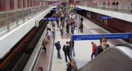 Alarm na stacji Wilanowska z powodu pozostawionego bagażu. Zamknięto też 5 innych!