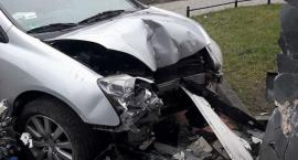 Mordor na życzenie: pijany kierowca zderzył się z budynkiem, bo mu się pomyliły kierunki
